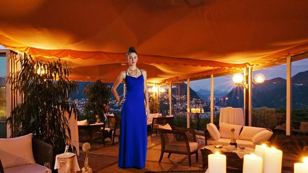 Con este vestido azul cobalto, iluminás la noche. Por Turquesa slow-fashion. Diseño de Irene Piedra Batalla.